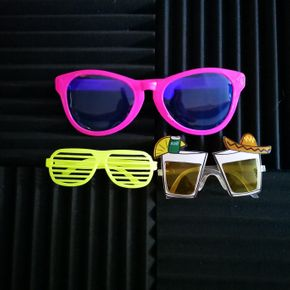 Many glasses styles available at WDN Photo Booth & Disco